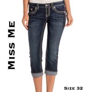 Miss Me Cuffed Cropped Capri NWT Size 32